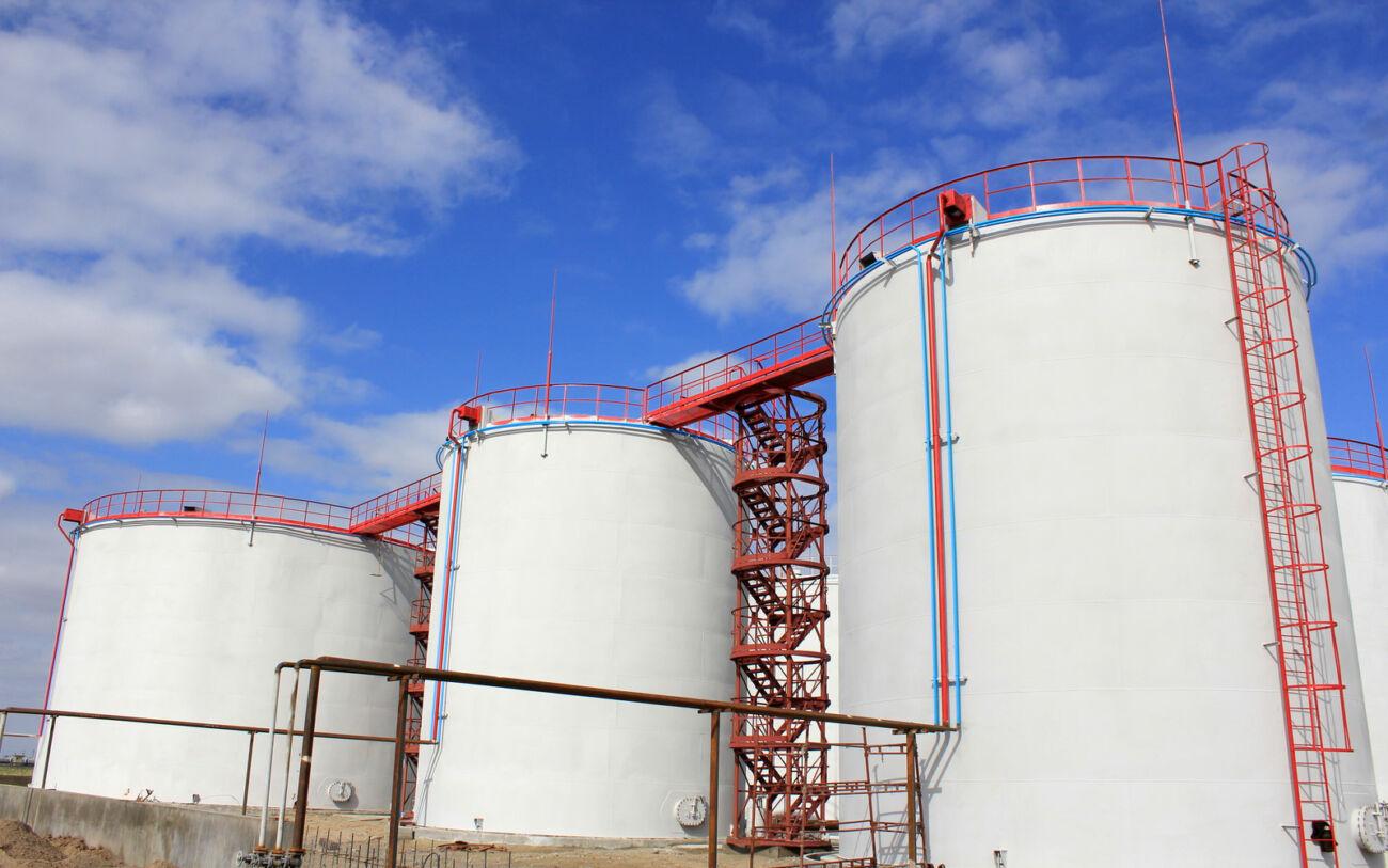 Система захисту зовнішніх поверхонь резервуарів для зберігання нафтопродуктів
